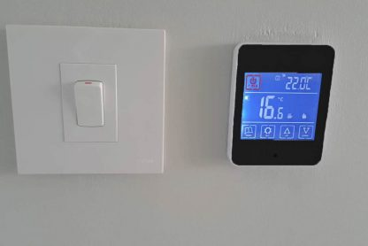 Programmable-touch-screen-thermostat for undertile heating
